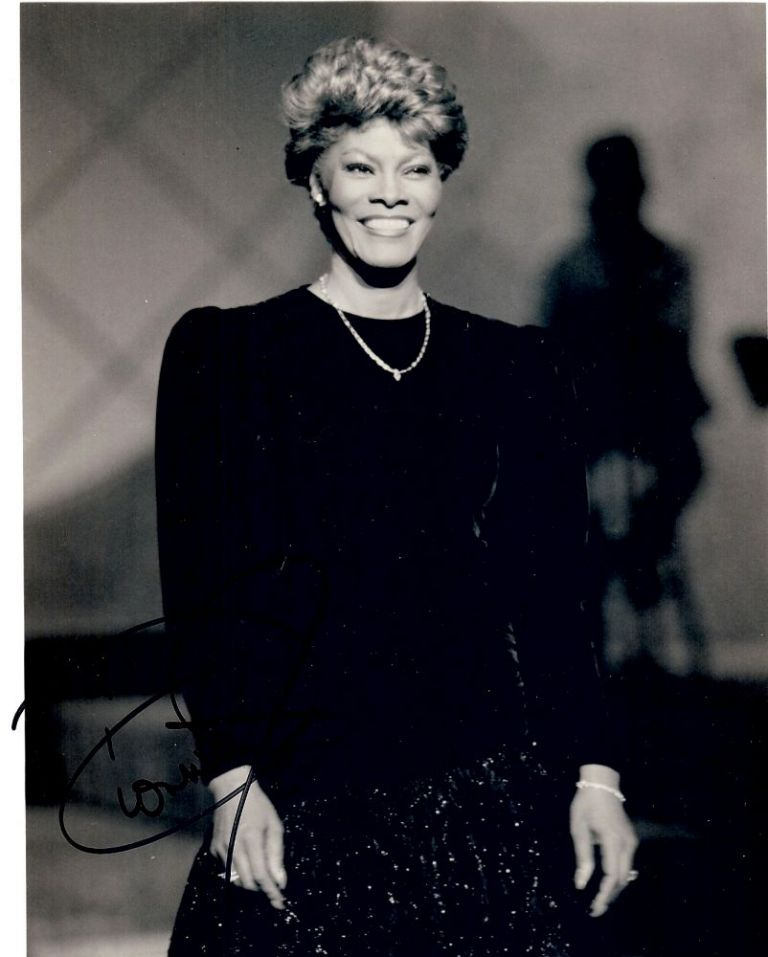 Signed Photograph. Dionne WARWICK.