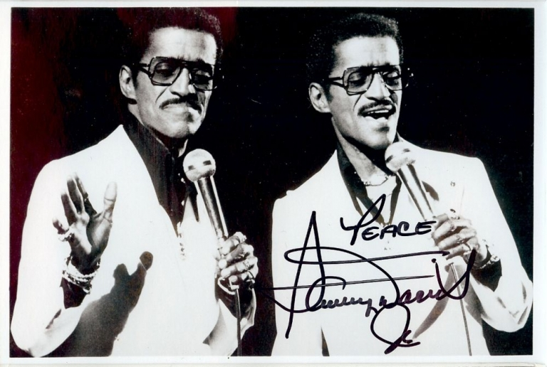 SIGNED PHOTOGRAPH. SAMMY DAVIS JR.