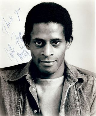 Signed Photograph. Antonio FARGAS