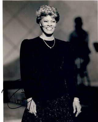 Signed Photograph. Dionne WARWICK