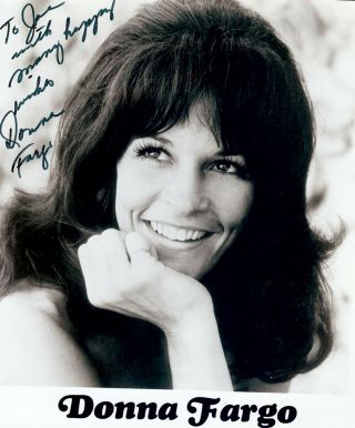 Signed Photograph. Donna FARGO
