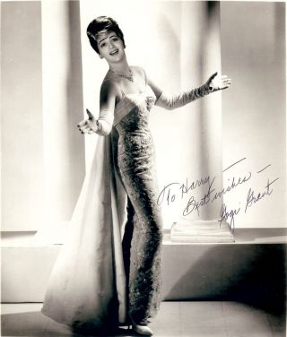 Signed Photograph. Gogi GRANT